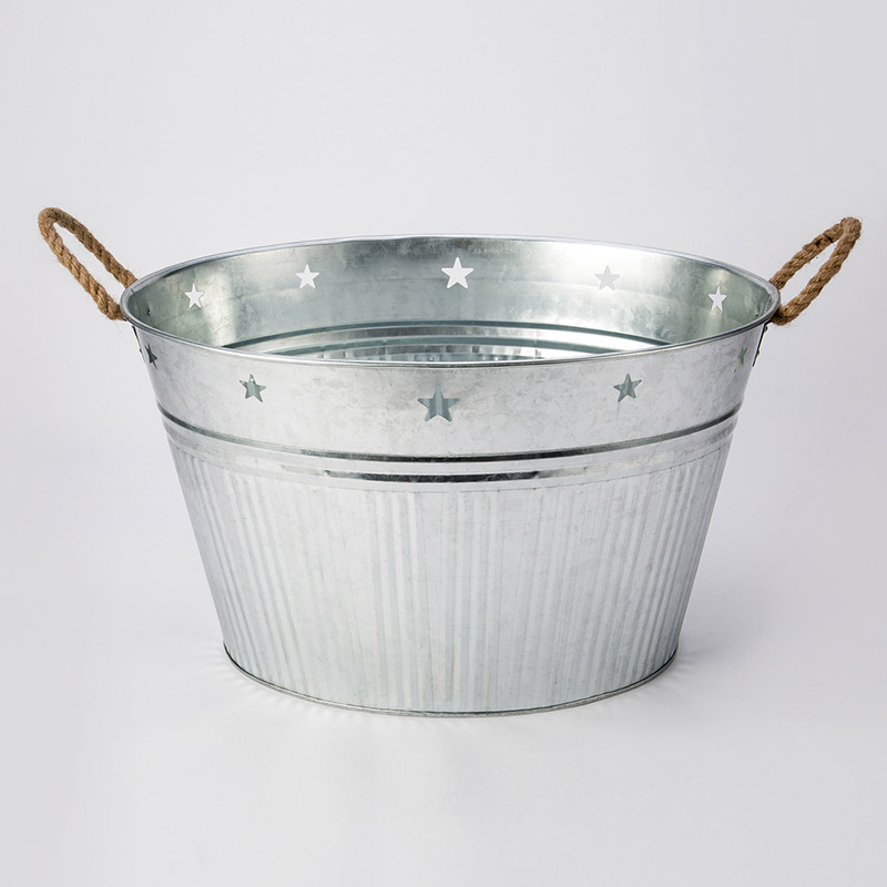 Galvanied party tub with rope handle