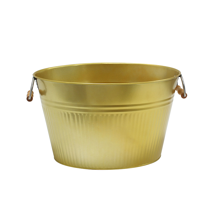 Party Galvanized tub with wooden handle