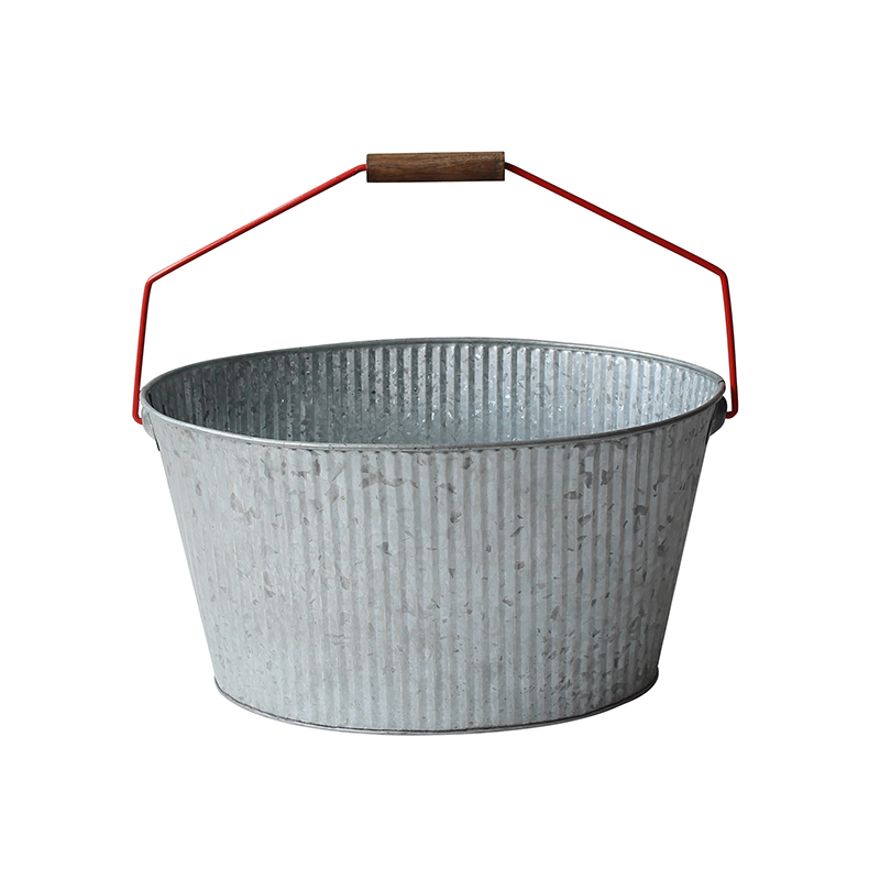 Country Home Galvanized Metal Tub and Drink Bucket