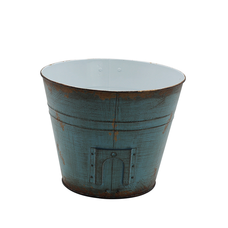 Rustic Country Style Iron Bucket with Handles For Indoor and Outdoor Decor